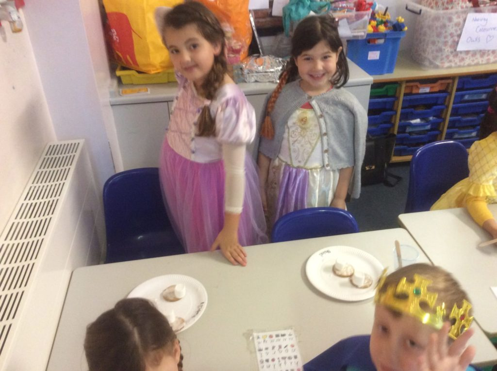 'Baubles' – Performed by Years 1, 2 & 3
